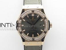 Classic Fusion 42mm RG Paved Diamonds Bezel B50F Gray Dial On Gray Gummy Strap A2892